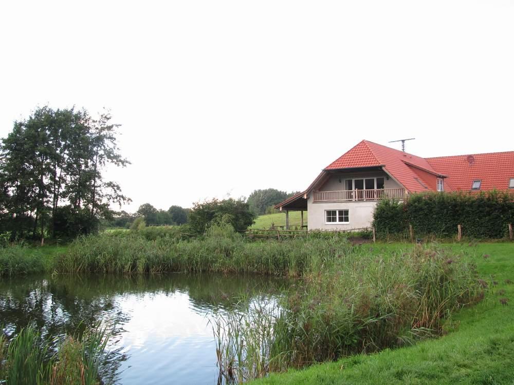 Landhaus Wendorf mit unserer Ferienwohnung mit der großen Terrasse