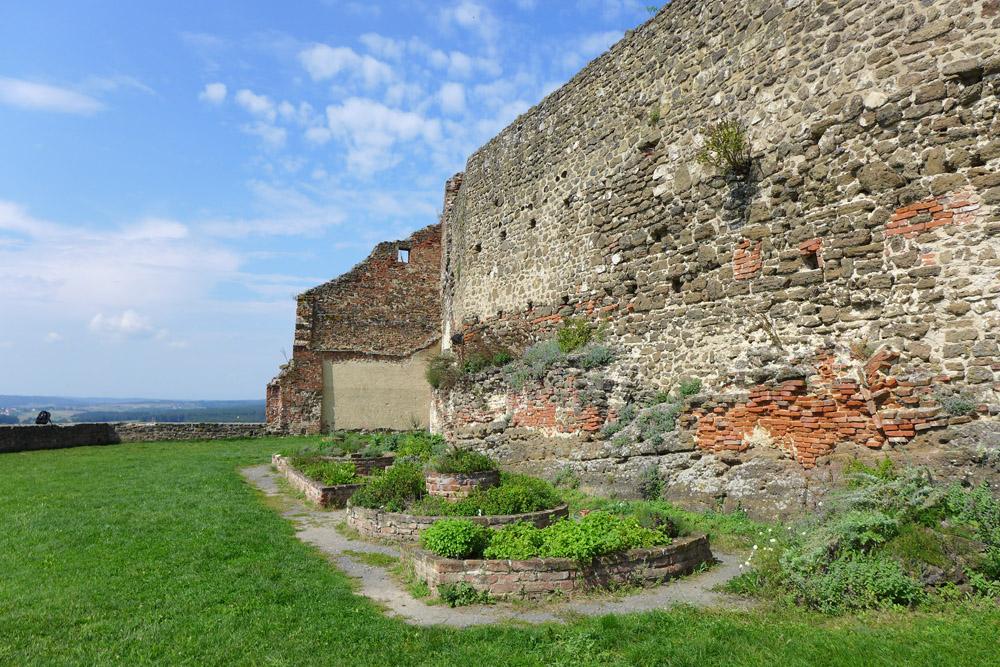 Burg Güssing mit Kräutergarten