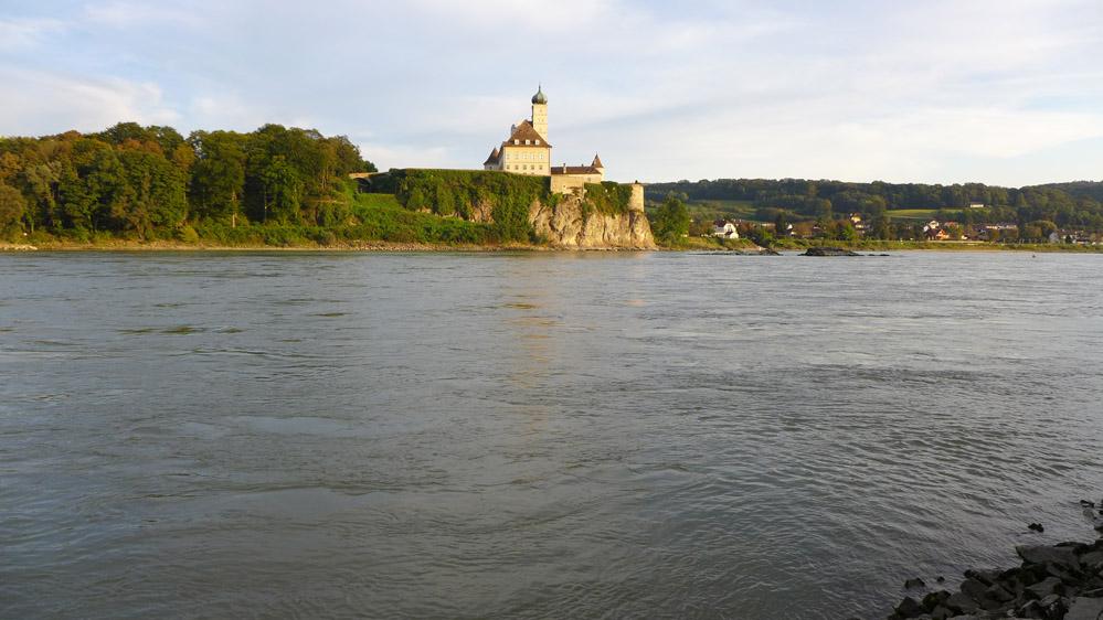 Blick auf das Schloss Schönbühel