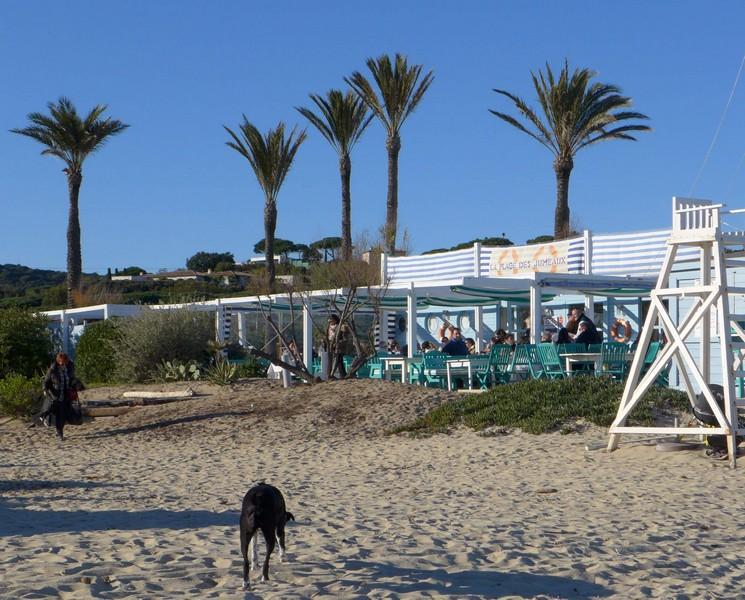 Eine der vielen Strandbars