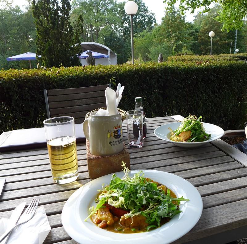 Essen im Restaurant Grunewald-Turm an der Havel
