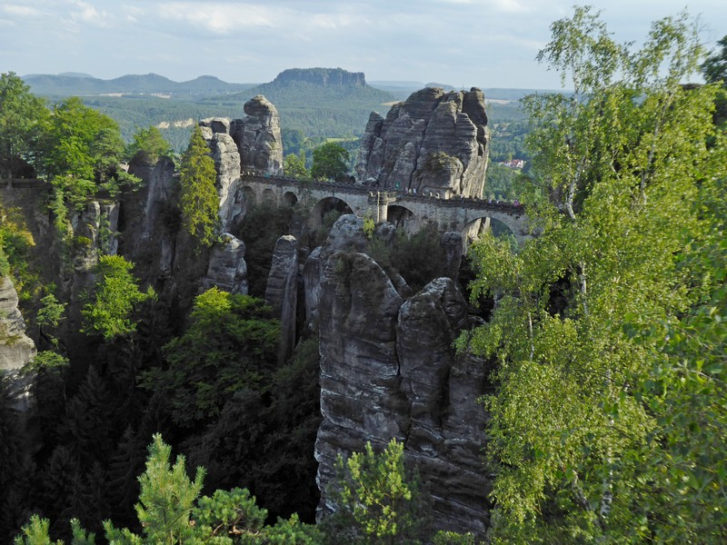Die Basteibrücke aus der Ferne