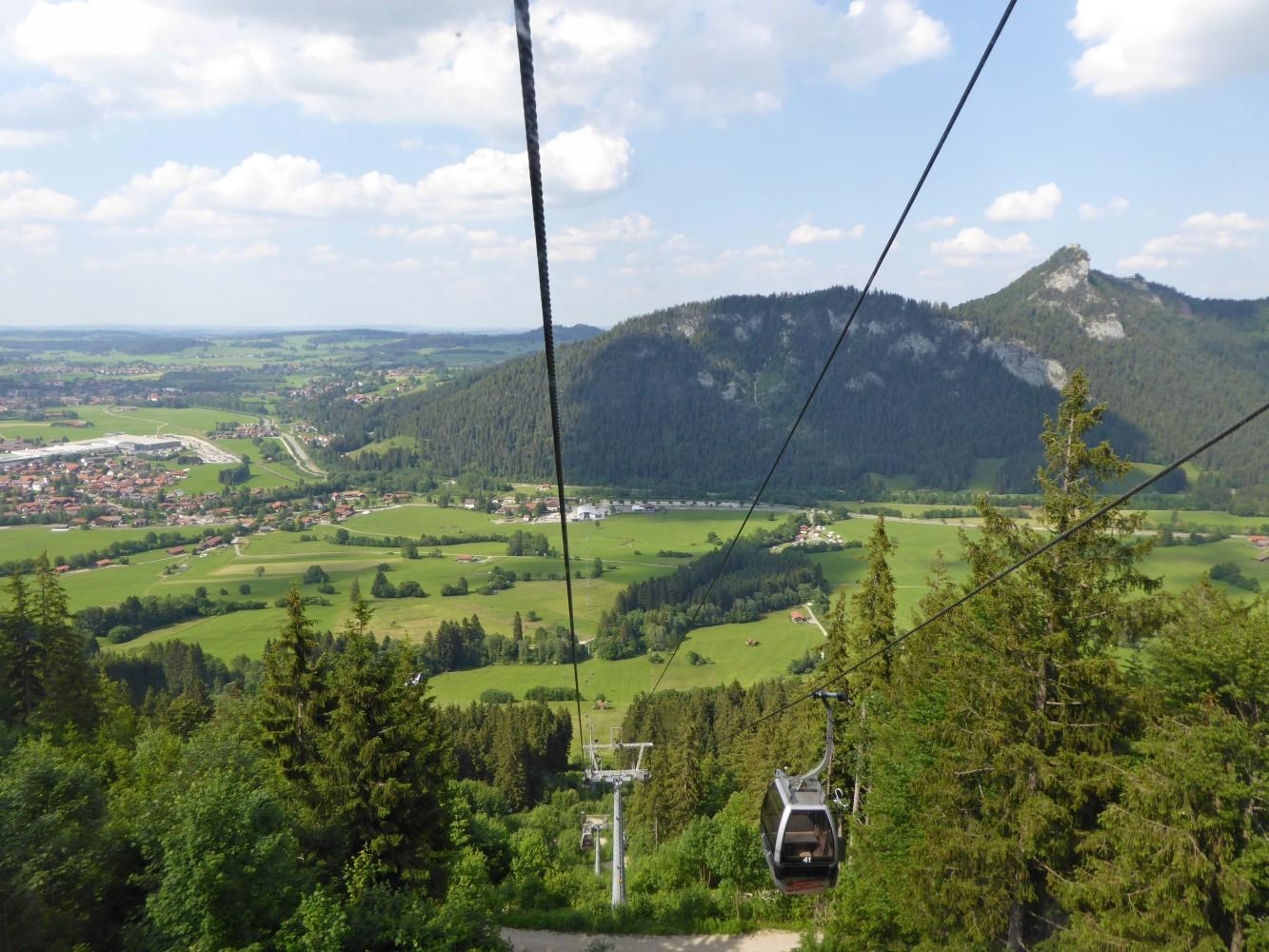 Burgruine Falkenstein von der Breitenberger Talbahn aus gesehen