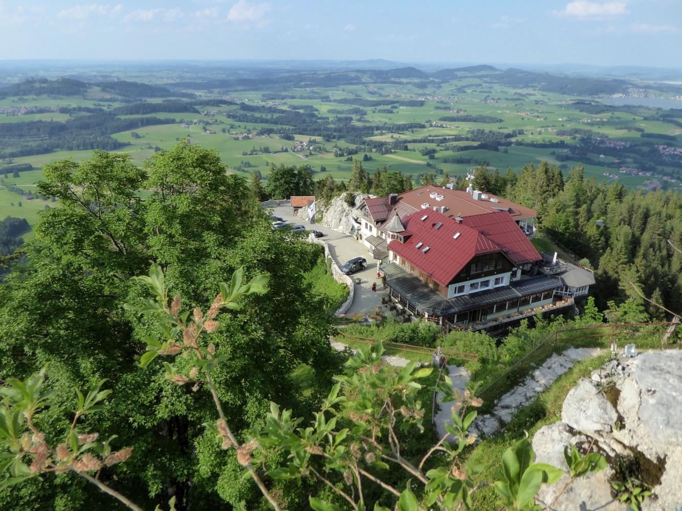 Blick über das Allgäu von Burgruine Falkenstein
